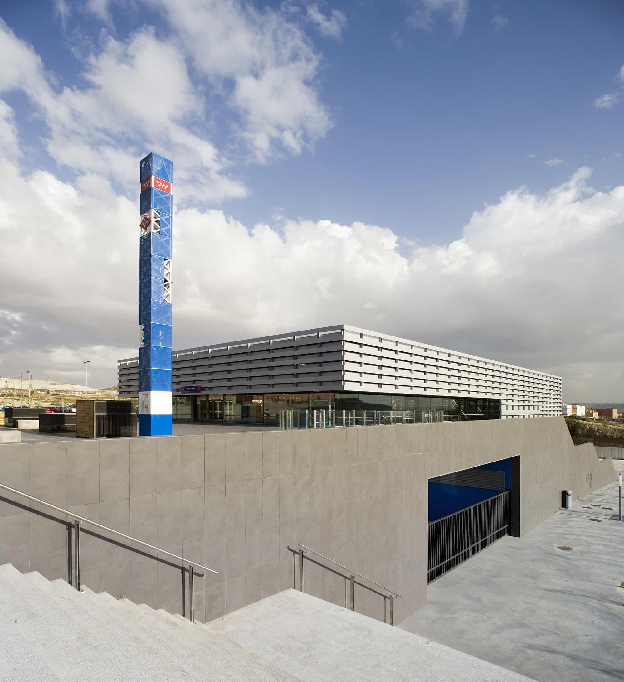 Estación METRO de Madrid - podium - arquitectura transporte - Estación METRO de MADRID_LGV+LANDINEZ+REY | equipo L2G arquitectos, slp [ eL2Gaa ]